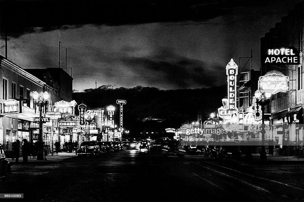 Early Vegas Lighting